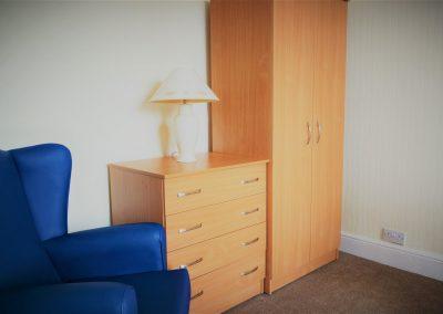 bedroom image 3
